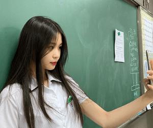 Korean hairstyle girl long hair