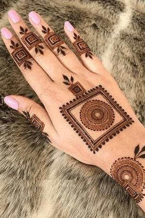 latest round shape mehndi design